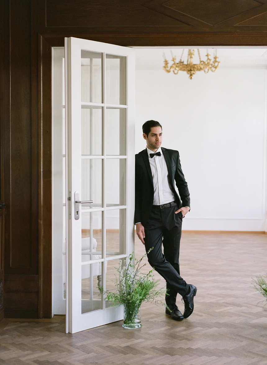 groom suit , tuxedo black , outfot groom wedding